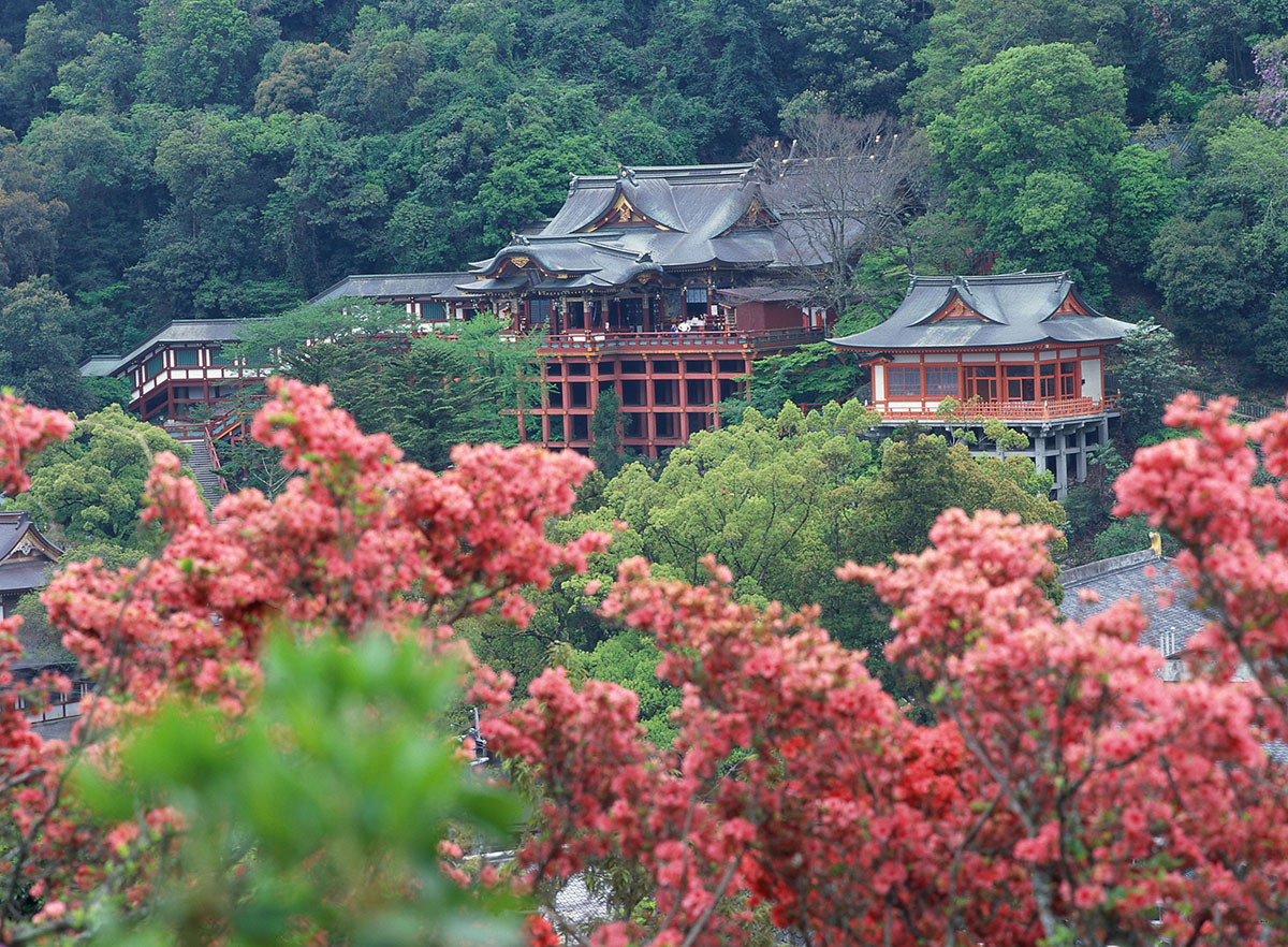 유토쿠 이나리 신사(祐徳稲荷神社)